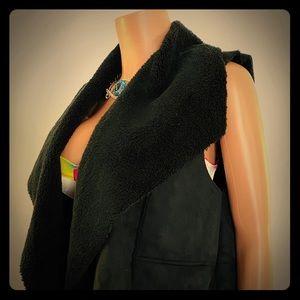 Susina faux shearling black vest